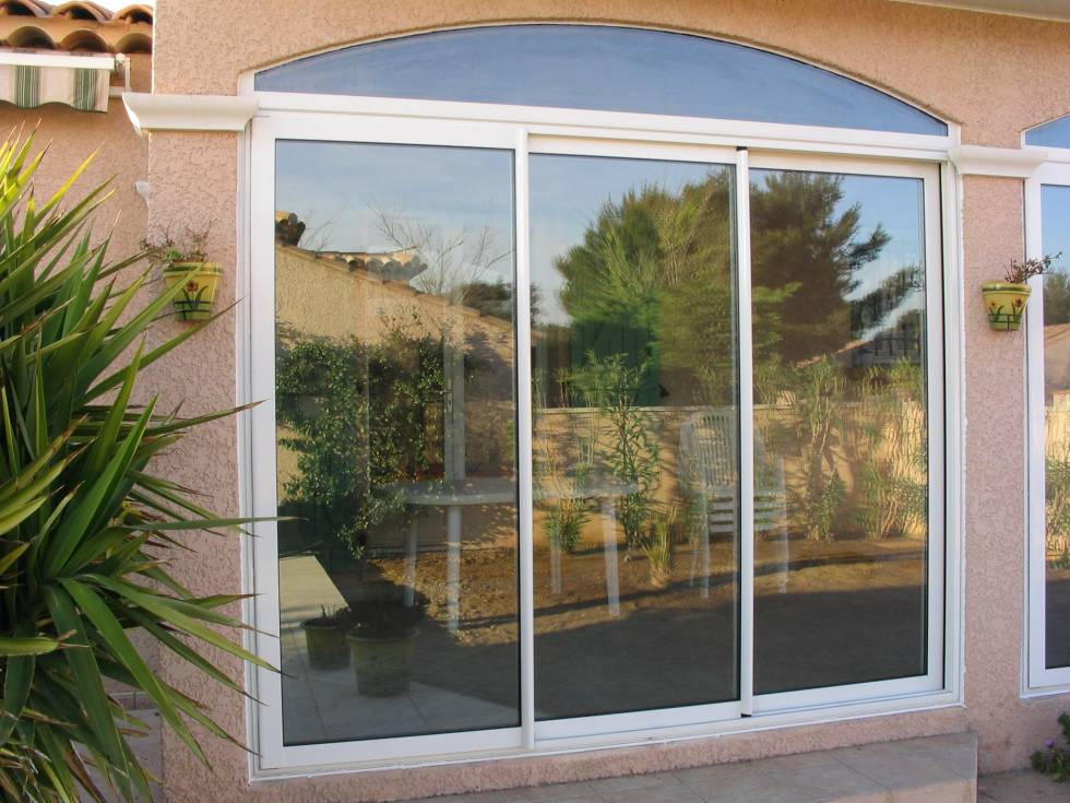 Fabrication et pose de baies vitr es de marque installux istres fen tres portes port de Baies vitrees lapeyre